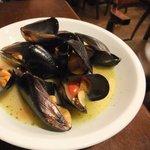 ダブリナーズ アイリッシュパブ - ムール貝の白ワイン蒸し