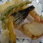 有楽すし - 天ぷらは高級食材でなくとも揚げたては旨いですね!