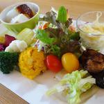 ファームレストラン野島さんち - 色鮮やかなプレートです