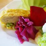 ファームレストラン野島さんち - 中札内産枝豆入り卵焼きとレッドキャベツ