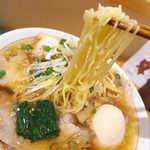 まるやす麺店 - 仙台ではあまり見ない極細麺。独自のこだわりを見せる