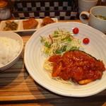 南蛮堂珈琲 - 日替わりランチ(ハンバーグのトマトソース)