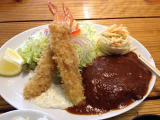 洋食のくんた - 海老フライ2尾、ハンバーグ、サラダ、スパサラ