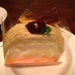 24931735 - 和栗ロールケーキ