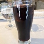PIZZERIA FAMIGLIA - ワンドリンクが条件なので、アイスコーヒーを、offなら文句なくワイン♪