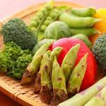 串かつ にし川 - 旬の厳選素材を使って様々な創作串揚げに。旬野菜は香り豊かで栄養価も高く、彩り鮮やか。季節の味をお楽しみ下さい!