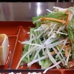 定食・呑み処 まるしょう - 定食・呑み処 まるしょう @葛西 ランチ プルコギ定食の山盛りサラダと韓国風冷奴