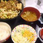 すき家 - 『牛すき鍋』&サラダと豚汁  ¥760