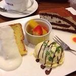 珈琲元年 - ケーキのセット それぞれ違う美味しさ♡また食べたい