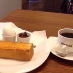 珈琲元年 - モーニングサービス 小倉 パンが美味しくて、ゆで卵があたたかい