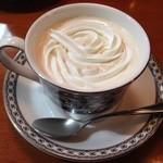 リラ - 食後のウインナーコーヒー!