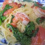 スパゲッティ屋 カメマン - 料理写真:海老と菜の花、フレッシュトマトの塩ペペロンチーノ
