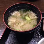 24947822 - 優しい美味しい豆腐とワカメの味噌汁