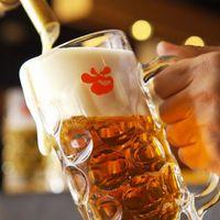 旬鮮酒場天狗 - 天狗のオリジナルビール【ビア・ブラウン】はここだけの味!中ジョッキ515円、グラス410円
