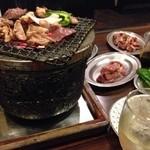 塩ホルモン炭や 清田店 - ワイン美味しい!