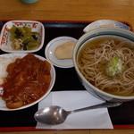 たぬき庵 - たぬき庵 ハヤシライス+冷かけそば 750円