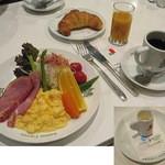 イノダコーヒ 本店 - 「京の朝食」1200円。イノダコーヒ本店で開店~11:00まで食べることができます。2013.11.2撮影