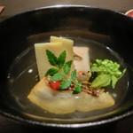 懐食 春慶  - 【二皿目】桜海老のしんじょう椀