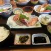 お食事の店萬福 - 料理写真:松定食。これにサザエ付