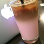 cafe croix - ストロベリーラテ