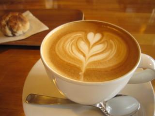 エルマーズグリーン コーヒー アンド ベイクス - カフェラテ
