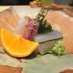 坂ノ下 田茂戸 - 2014年3月 鯛とサヨリの昆布〆 赤檸檬を搾って