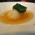 坂ノ下 田茂戸 - 2014年3月 新玉葱と湯葉 この時期ならではの葉玉ねぎもそえられています