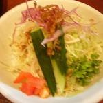拉麺 餃子 竹蔵 - ランチに付くサービスのサラダ