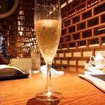 過門香 - シャンパンサービス