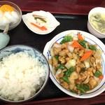 25002592 - 鶏肉とナッツの炒め物定食(750円)