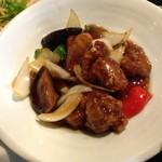 HOI - ランチの黒酢の酢豚(1,000円)ご飯・スープ・副菜などは、モンゴイカの辛し炒めと同じです。2014年3月