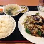 明月楼 - 回鍋肉定食 600円
