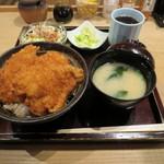タレカツ - カツ丼セット 790円 ※平日ランチタイム限定(17時まで)