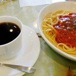 亜煉路館 - ランチのスパゲティとコーヒー