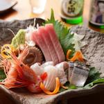 鳳仙花 - 毎朝とれたて鮮魚を市場から直送し、 新鮮なお刺身でいただけます。