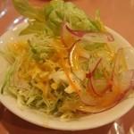レストラン ツジタ - サラダのドレッシングは自家製