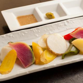 京野菜を中心としたヘルシーな料理をお召し上がりください。