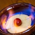 ワインカフェ - 炎のカマンベールチーズ