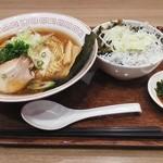 25096564 - 「しらす高菜丼と醤油ラーメンのセット」950円