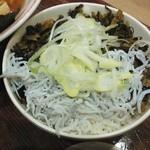 25096581 - セットの「しらす高菜丼」アップ