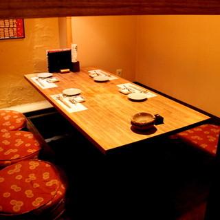 京橋の奥座敷・・・落ち着ける個室はご予約がおすすめです。