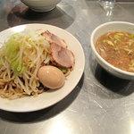 らーめん大 - つけ麺小680円+100円の味付玉子。