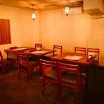 アジアンバル BOTE - テーブル席
