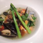 Tsukimisou - 本日の鮮魚と才巻き海老、ホタテ、ムール貝のアクアパッツァ