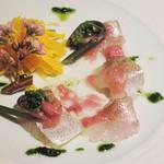 Tsukimisou - 桜の葉で香りをつけた春子鯛のカルパッチョ 桜風味のヴィネグレットソース