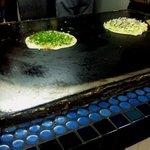 浜屋 みっちゃん - 青いタイルの鉄板