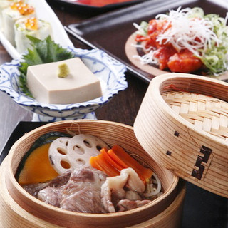 京都もち豚と野菜のセイロ蒸し…700円