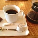 イエナコーヒー - フルーティーブレンド、いただきます。 ここの豆持ち帰りは、その場で焙煎するようです。