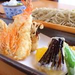 貴匠庵 - 料理写真:才巻海老二本と季節野菜の天せいろ