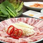 ムグンファ - 新鮮なお野菜と一緒に食べるサムギョプサルは絶品です!!